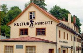 Frontansicht der Kulturwerkstatt Sonthofen - Zur wegbeschreibung klicken!